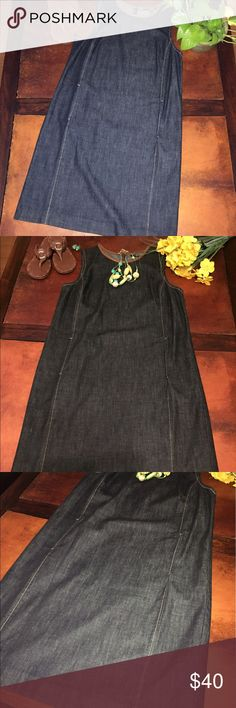 Lauren Ralph Lauren Dress Lauren Ralph Lauren Denim Dress size 8 with tiny front pockets. Stretchy material, very comfortable and in perfect condition! Lauren Ralph Lauren Dresses