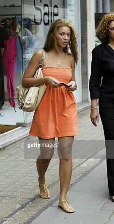 Singer Beyonce Knowles leaves Koh Samui during a shopping trip on July 2003 In London. 4 Beyonce, Beyonce Style, Beyonce And Jay Z, Beyonce Knowles, 90s Fashion, Womens Fashion, Fasion, Lingerie, Beautiful Black Women