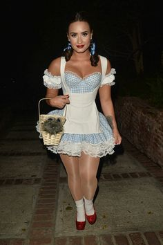 Demi Lovato - Attending a Halloween Party in Los Angeles Celebrity Halloween Costumes, Halloween Kostüm, Couple Halloween Costumes, Diy Costumes, Costumes For Women, Demi Lovato, Anime Cosplay, Cosplay Girls, Fantasias Halloween