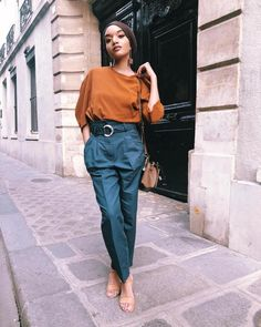Women S Fashion Queen Street Mall French Fashion, Look Fashion, Korean Fashion, Fashion Beauty, Parisian Fashion, Color Composition, Smart Casual Women, Parisian Chic Style, Luanna
