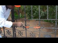 By http://www.diymovies.co.za/ In this movie we a lovely metal gate, which is beginning to rust. We remove the rust and treat the rusty sections to protect t...
