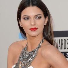 A modelo Kendall Jenner aposta nas boho bijoux para compor seus looks