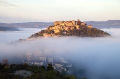Built in 1222 by Raimon VII, The Count of Toulouse as a bastide. It was renamed in 1993 as Cordes sur Ciel (in the sky) to attract tourists as it seems to be literally floating above the clouds at … The Spectator, Above The Clouds, Time Of The Year, Toulouse, France, Medieval, Africa, Sky, River