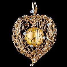 Jewellery Theatre O*4 302 YP15