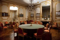 Game Room of Louis XVI at Le Château de Versailles Louis Xiv, Roi Louis, Versailles Paris, Chateau Hotel, French Royalty, French Architecture, Apartment Interior, Palace Interior, Marie Antoinette