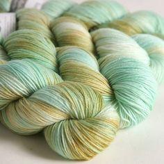 Farb-und Stilberatung mit www.farben-reich.com - Seaglass on sock yarn