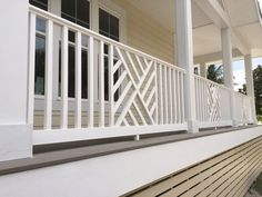 7 Deck & Porch Railing Ideas (With Pictures) - Decks & Docks Wood Porch Railings, Veranda Railing, Porch Railing Designs, Balcony Railing Design, Railing Ideas, Porch With Railing, Aluminum Deck Railing, Railings For Decks, Outdoor Railings
