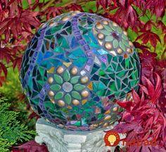 Mosaic bowling ball - 32 Excellent DIY Mosaic Garden Decoration Ideas for Front and Backyard Landscaping – Mosaic bowling ball Bowling Ball Garden, Mosaic Bowling Ball, Bowling Ball Art, Garden Balls, Garden Spheres, Diy Garden, Garden Crafts, Garden Projects, Garden Art