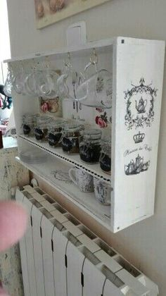 Recycle a drawer and make into coffee cup holder. Small Furniture, Repurposed Furniture, Furniture Making, Painted Furniture, Diy Furniture, Diy Décoration, Easy Diy Crafts, Diy Casa, Shabby Chic Decor
