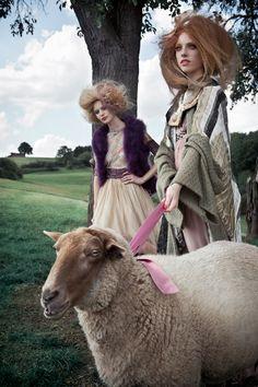 Hometown Romance   Models: Seraphina / Modelwerk, Henriette / Notoys Styling: Claudia Melzer Hair & Make-up: Eva Mittmann Photography: Marie Schmid