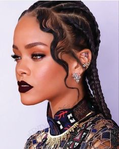 Twists and braids are one of the most loved, and used hairstyles today. Twists make it possible for you to extend your natural hair and attach almost anything you want – from high-quality commercia… Mode Rihanna, Rihanna Style, Rihanna Fenty, Rihanna Makeup, Rhianna Fashion, Rihanna Baby, Hairstyles Over 50, Black Women Hairstyles, Gray Hairstyles