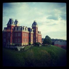 Woodburn....my favorite place on the West Virginia University campus <3