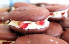Schoko-Erdbeer-Bomben. Wann beginnt endlich die Erdbeeren-Zeit???