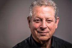 """A reinvenção de Al Gore  Ter perdido a eleição para a Presidência dos Estados Unidos depois de uma apuração controversa, fez com que o democrata AL GORE mudasse o seu objetivo de vida, para atingir objetivos que ele considerada essenciais.  Congressista, Senador e Vice-Presidente da dos Estados Unidos, Albert Arnold """"Al"""" Gore Jr.  nasceu em 31 de março de 1948, em Washington D.C. Seguiu a carreira política apos tentar o jornalismo e a teologia."""