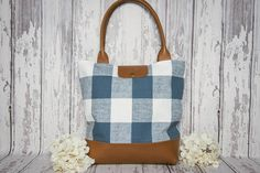 Fall Picnic Tia Tote  Lindsay Tia #AmericanMade Accessories #MadeInAmerica to inspire, encourage bravery, and #fashionable pay it forward! Visit www.LindsayTia.com to see our mission!