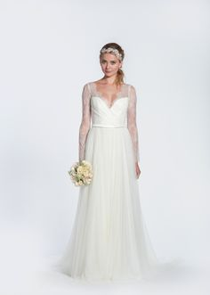 30 OF THE MOST GRACEFUL & GORGEOUS LACE SLEEVE WEDDING DRESSES | JexShop Blog