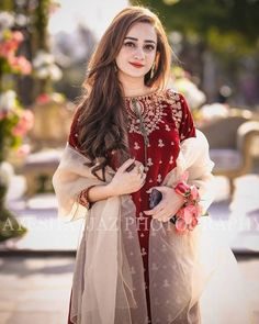 Fashion Tips Dresses .Fashion Tips Dresses Shadi Dresses, Pakistani Formal Dresses, Pakistani Dress Design, Walima Dress, Desi Wedding Dresses, Party Wear Dresses, Wedding Wear, Wedding Bride, Stylish Dresses For Girls