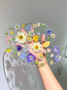 Art Diy, Diy Resin Art, Diy Resin Crafts, Diy And Crafts, Arts And Crafts, Flower Aesthetic, Aesthetic Art, Diy Painting, Art Projects