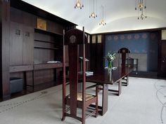 Dining Room, House for an Art Lover - built early from Charles Rennie Mackintosh 1901 design, Bellahouston Park, Glasgow. Charles Rennie Mackintosh, Art Nouveau Architecture, Interior Architecture, Interior Design, Mackintosh Furniture, House For An Art Lover, Craftsman Home Decor, Mackintosh Design, Br House
