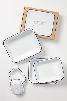 Enamelware Bake Set. Timeless and classic.