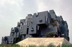 kafka castle_wikimedia commons