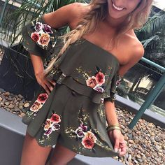 2017 Women Playsuits Sunmer Overalls Boho Off Shoulder Sexy Print Floral Playsuit Beach Style Rompers Womens Jumpsuit Mode Outfits, Casual Outfits, Fashion Outfits, Fashion Trends, 90s Fashion, Street Fashion, Hipster Outfits, Indie Fashion, Hipster Fashion
