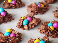 Op zoek naar een schattige, maar simpele paas chocolade traktatie? Dan zijn deze paas chocolade nestjes ideaal voor jou! Je hebt er geen oven...
