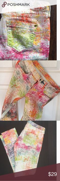 "COLORFUL PAINT SPLATTERED SKINNY JEANS, STYLISH There are no tags or labels in there jeans.  The fabric is thick cotton with some stretch.  The jeans are in absolutely perfect condition.  16.5"" across the waistband, 8"" rise, 28"" inseam and 6"" opening at the bottom of leg. Jeans Skinny"