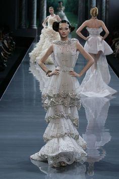 Christian Dior Couture Fall 2008 - Slideshow - Runway, Fashion Week, Fashion Shows, Reviews and Fashion Images - WWD.com