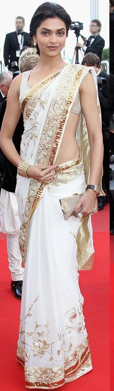 $128 White Chiffon Bollywood Saree 20732 With Unstitched Blouse