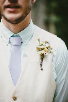 It's the groom's day too and his boutonniere shouldn't be ignored - check out this style and many more from Southern Events at our upcoming Nashville  bridal show on Jan. 12 #NashvillePWG #groomstyle