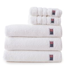 Plush and absorbent, the Lexington soft and heavy terry towel is created from 600 g combed cotton. With softness that only increases over time, our original towel in a crisp white color is a luxurious treat for your body. White Hand Towels, Striped Towels, Soft Towels, Guest Towels, Bath Towels, Lexington Company, Lexington Home, My First Apartment, Bedding