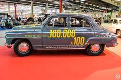 #Simca #Aronde des records à #Automédon 2015 au Bourget Reportage complet : http://newsdanciennes.com/2015/10/12/grand-format-automedon-2015/ #Voiture #Ancienne #Classiccar #VintageCar