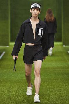 Charm's Spring/Summer 2016 - Seoul Fashion Week