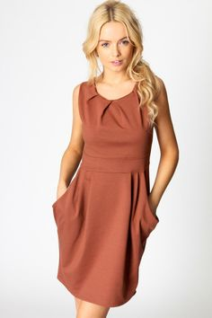 boohoo Lauren Ponti Roma Sleeveless Pleat Detail Dress £20