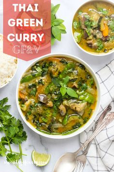 EASY to make, flavor bursting Vegetable Thai Green Curry with a delightful balance of sweet