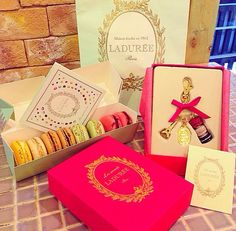 Blair Loves Herself Macarons From Ladurée, And A Bubble Bath With Chuck In  My Mind