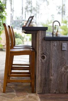 Gorgeous rough wood bar with power and running water . view of chef michael mina s outdoor kitchen and outdoor dining Outdoor Kitchen Countertops, Outdoor Kitchen Bars, Outdoor Kitchen Design, Outdoor Dining, Outdoor Kitchens, Outdoor Bars, Kitchen Island, Rustic Outdoor Bar, Rustic Sunroom