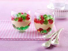 Pudding mit Götterspeise für Kinder Rezept: Ein leckeres Puddingdessert mit Wackelpudding für Kinder - Eins von 5.000 leckeren, gelingsicheren Rezepten von Dr. Oetker!