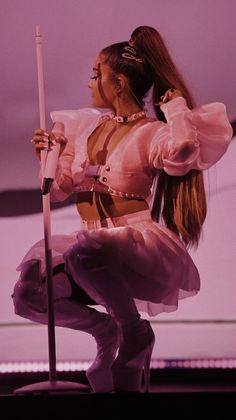HD Ariana Grande picture while on sweetener or thank you next world tour pink aesthetic filtered outfit Ariana Grande Fotos, Ariana Grande Images, Ariana Grande Photoshoot, Ariana Grande Cute, Ariana Grande Outfits, Photographie Indie, Ariana Grande Sweetener, Images Esthétiques, Ariana Grande Wallpaper