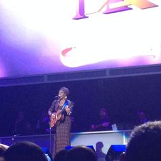 No @indiaarie didn't come out here and start singing #BrownSkin! #ALRIGHTNOW! #Awesome #NeighborhoodAwards2014 pic.twitter.com/DQClNPoEin
