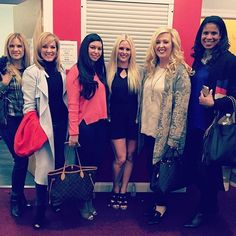 The moms with Jessalynn's friend at the ALDC LA earlier today. Looks like Kira is back filming this week also • #dancemoms #dancemoms1 #spoilers #dmos_siwa #dmos_ziegler #dmos_vertes #dmos_frazier