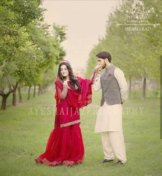 Discovered by Find images and videos on We Heart It - the app to get lost in what you love. Asian Wedding Dress Pakistani, Indian Wedding Gowns, Fancy Wedding Dresses, Beautiful Pakistani Dresses, Bridal Dresses, Wedding Couple Poses Photography, Bride Photography, Children Photography, Bridal Poses