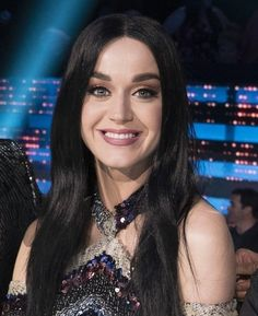 Love the long hair Katy Perry Wallpaper, Katy Perry News, Quirky Girl, American Idol, Celebs, Celebrities, My Idol, Nicki Minaj, Dark Hair