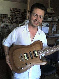 Guitarra fabricada sob encomenda modelo Tele