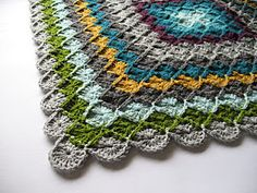 I would love to try this pattern!  Go to Sarah London's website to see her amazing crochet designs.