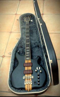 Jaydee 'Infinity' Custom Bass | Home | 2010