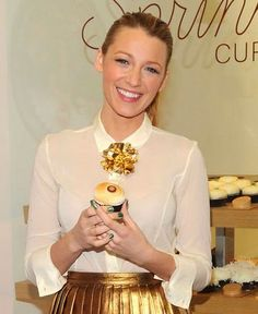 Sprinkles cupcakes, Blake Lively, and money raised for charity. What's not to love?