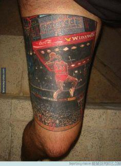 284938 - Hay tatuajes currados, luego está éste de Michael Jordan