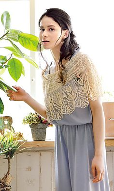 Crochet Lace Cape - free pattern by Pierrot (Gosyo Co., Ltd) - English and Japanese versions fully charted